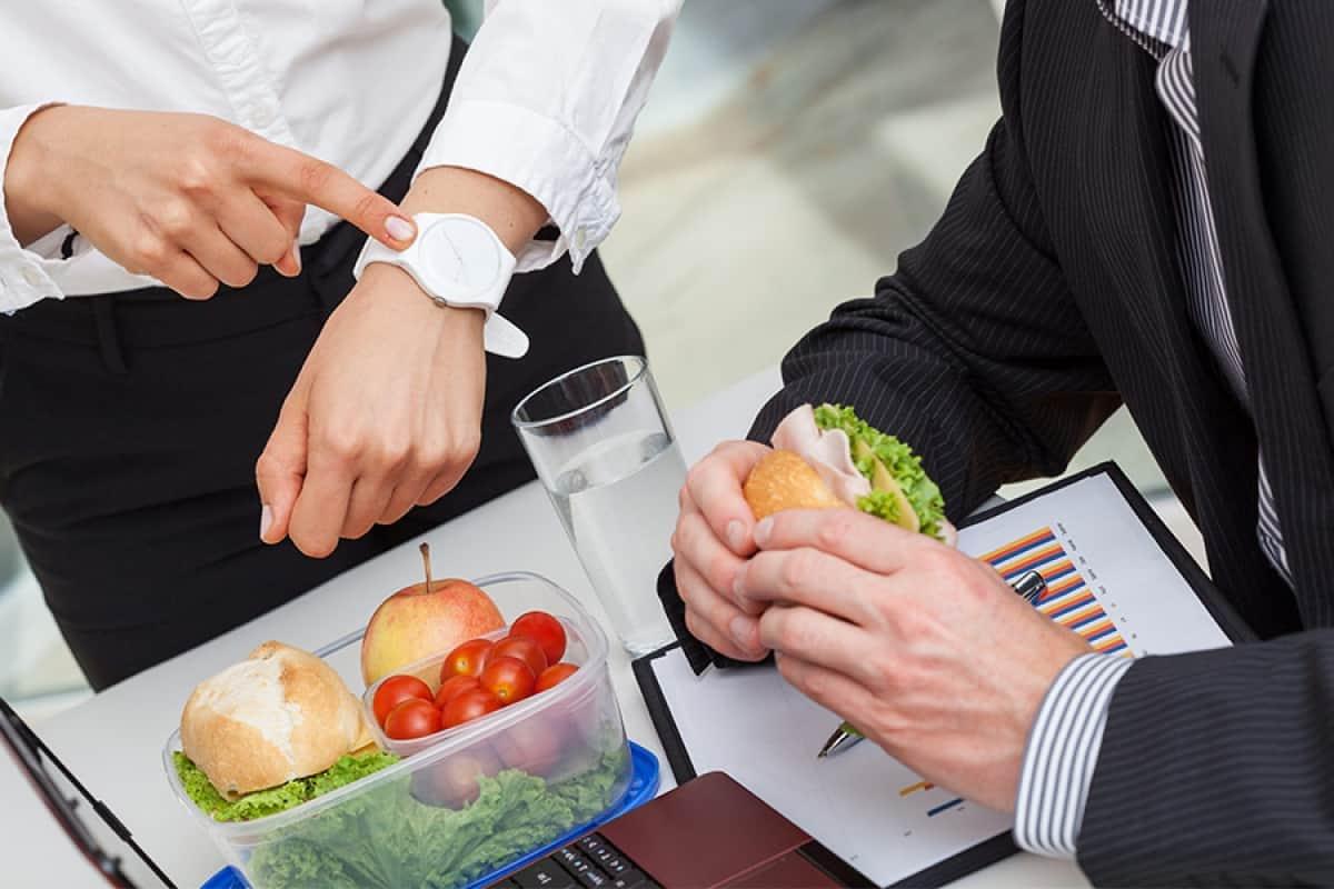 Арбитражная практика в марте 2019 года: страховые взносы у ИП, травма в обеденный перерыв, вычет НДС после перехода с УСН